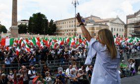 FRATELLI D'ITALIA IN PIAZZA CONTRO IL GOVERNO PIU